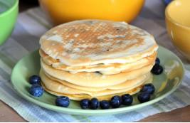 Pulchne naleśniki, czyli pancakes z borówkami