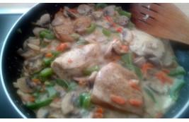 Kurczak duszony z zielonym curry